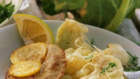 Rezept: Schweineschnitzel mit Blumenkohl-Kartoffelgemüse