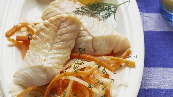 Rezept: Seelachs mit Juliennegemüse und Kartoffeln