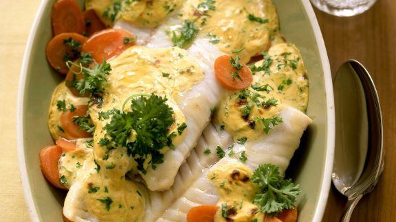 Rezept: Seelachs überbacken auf Senfmöhren