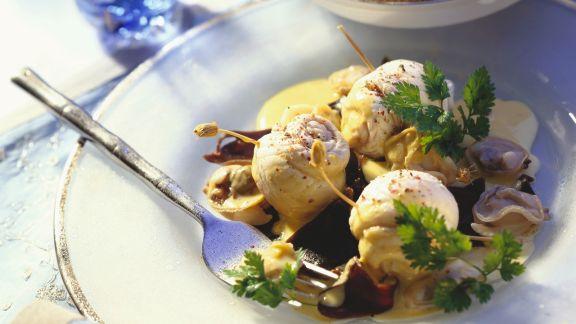 Rezept: Seeteufelrouladen mit Venusmuscheln