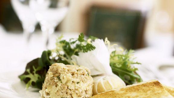 Rezept: Sellerie-Shrimps-Flan mit Käse und Toastbrot