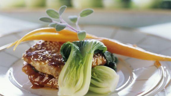 Rezept: Sesam-Fleisch mit Sojasoße und Pak Choy