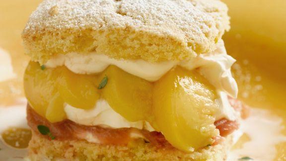 Rezept: Shortcake mit Pfirsich-Rhabarber-Füllung