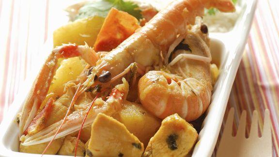Rezept: Shrimps-Hühnchen-Curry mit Ananas