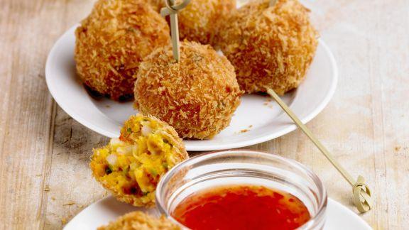 Rezept: Shrimps-Süßkartoffel-Klößchen mit scharfem Dip