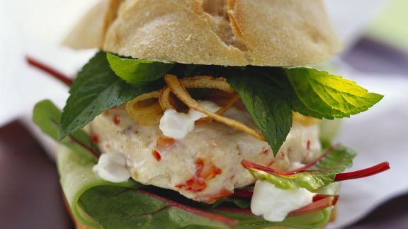 Rezept: Shrimpsburger mit Joghurt und Minze