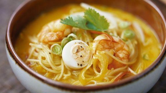 Rezept: Shrimpssuppe mit Nudeln aus Singapur