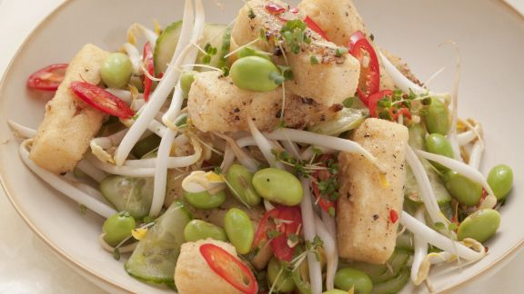 Rezept: Sojabohnen-Tofu-Salat mit Sprossen