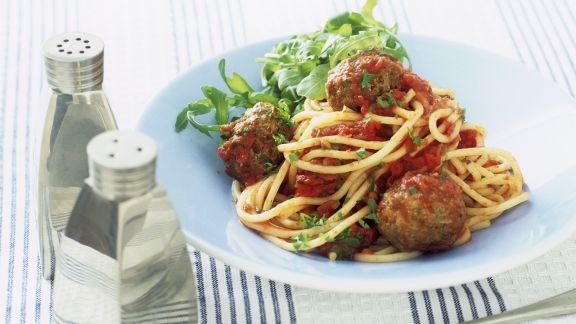 Rezept: Spaghetti mit Fleischbällchen, Rucola und Tomatensugo