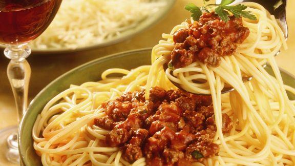 Rezept: Spaghetti mit Fleischsoße (Bolognese)