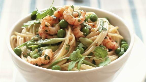 Rezept: Spaghetti mit Garnelen, Ingwer und Erbsen