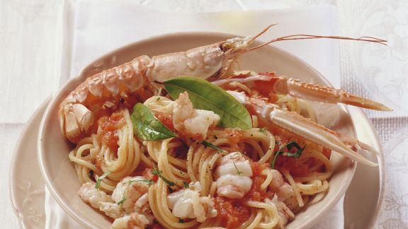 Rezept: Spaghetti mit Garnelen und Tomatensoße