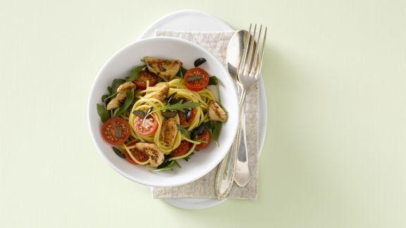 Rezept: Spaghetti mit Hähnchenfleisch und Kirschtomaten