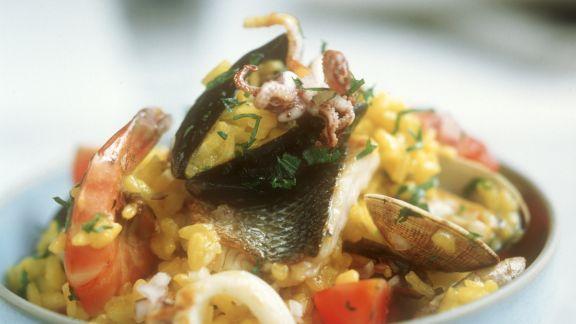 Rezept: Spanische Reispfanne mit Fisch und Meeresfrüchten (Paella)