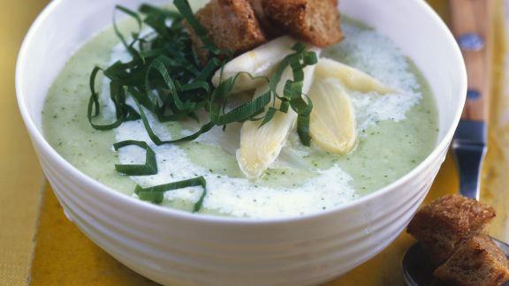 Rezept: Spargel-Bärlauch-Suppe