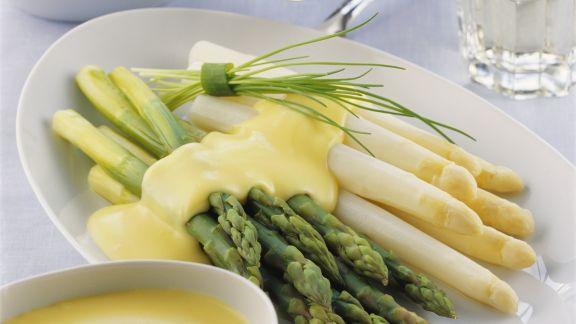 Rezept: Spargel mit Kartoffeln und holländischer Soße