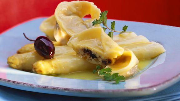 Rezept: Spargel mit Oliven-Ravioli