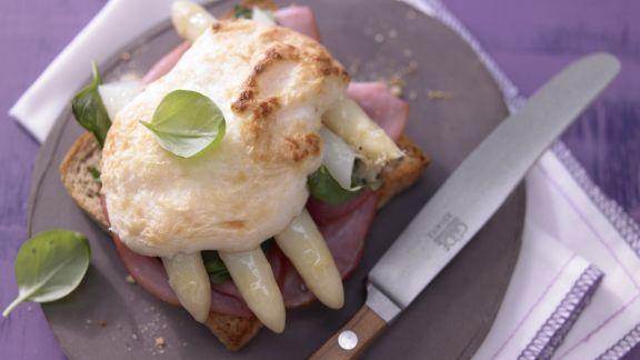 Rezept: Spargel-Schinken-Toast