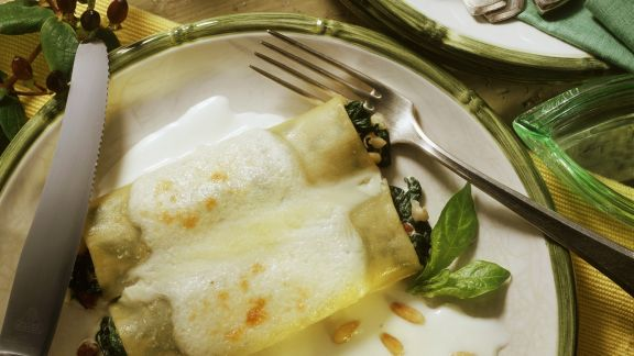 Rezept: Spinat-Cannelloni mit Béchamelsoße