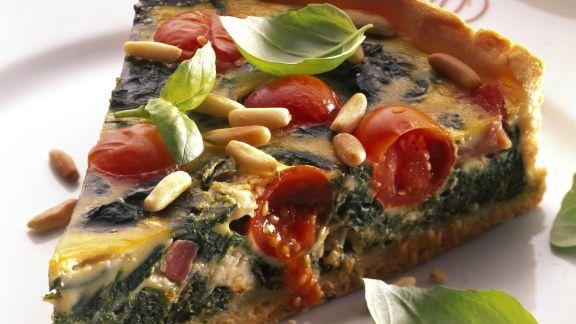 Rezept: Spinat-Tomaten-Tarte mit Pinienkernen