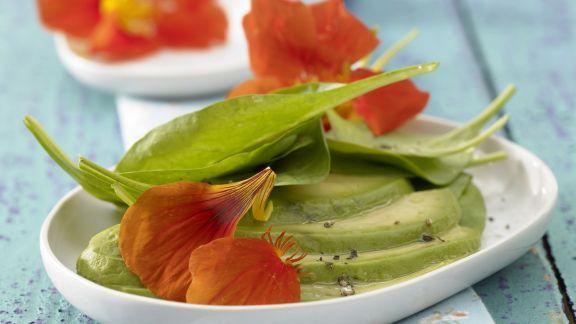Rezept: Spinatsalat mit Avocado