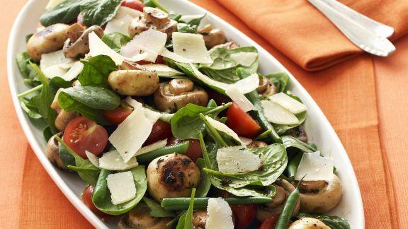 Rezept: Spinatsalat mit Champignons