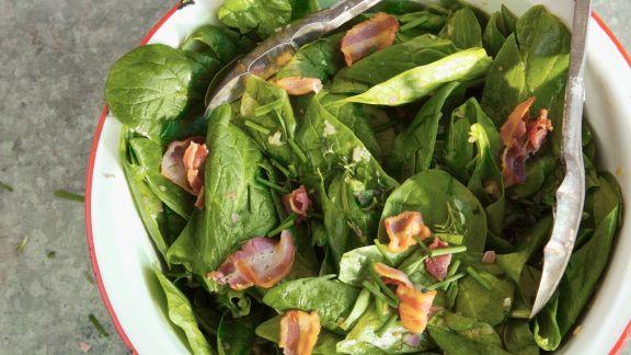 Rezept: Spinatsalat mit Speckdressing