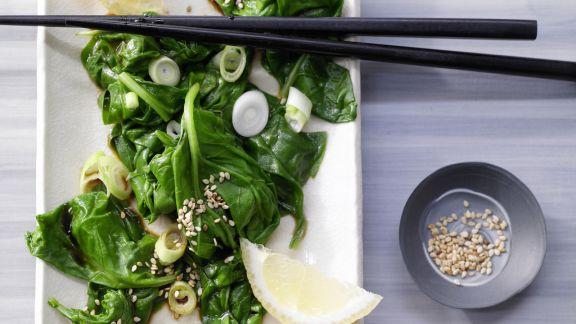 Rezept: Spinatsalat mit Sesam