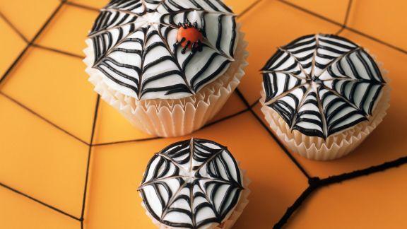 Rezept: Spinnennetz-Cupcakes für Halloween