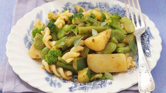 Rezept: Spirelli mit grüner Gemüsesoße