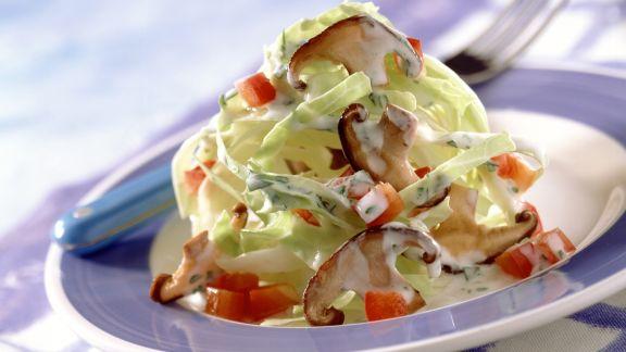 Rezept: Spitzkohl-Shiitake-Salat