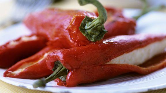 Rezept: Spitzpaprika mit Fischcreme-Füllung