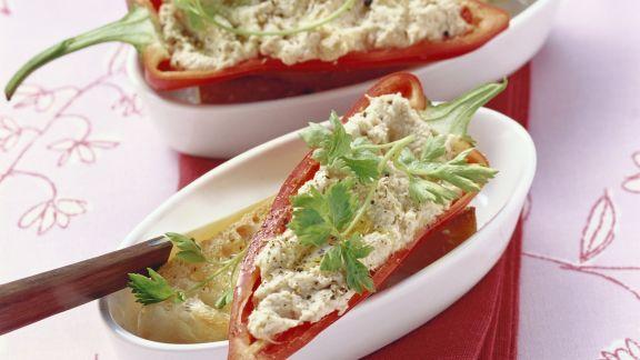 Rezept: Spitzpaprika mit Hähnchencreme