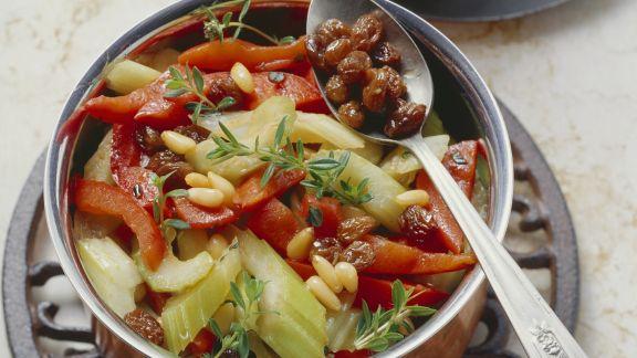 Rezept: Stangensellerie-Paprika-Gemüse