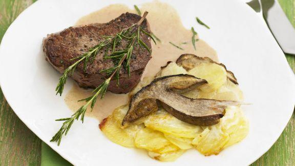 Rezept: Steak mit Steinpilz-Kartoffelgratin