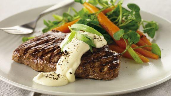 Rezept: Steak vom Grill mit Béarner Sauce und Karotten