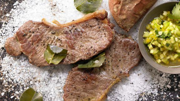 Rezept: Steaks vom Salzbett