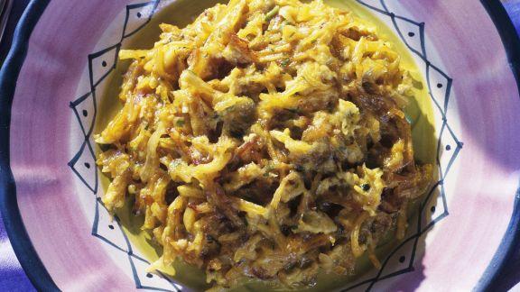 Rezept: Stockfisch mit Zwiebeln, Ei und Kartoffeln