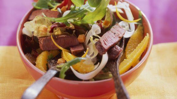 Rezept: Straußenfleisch auf fruchtigem Salat