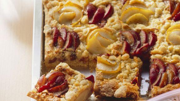 Rezept: Streuselkuchen mit Zwetschgen und Birnen