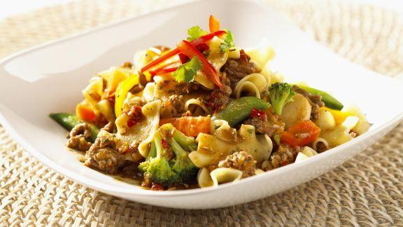 Rezept: Süß-scharfe Rind-Gemüsepfanne mit Ingwer