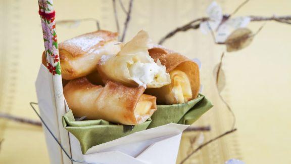 Rezept: Süße Frühlingsröllchen mit weißer Schokolade und Grüntee-Eis