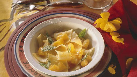 Rezept: Süße Nudeln mit Aprikosensoße
