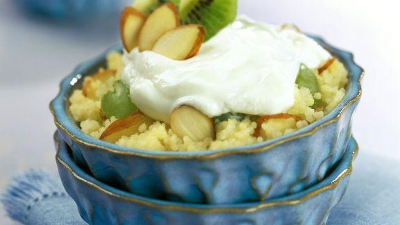 Rezept: Süßer Couscous mit Kiwis und Mandeln