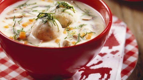 Rezept: Suppe aus Gänseklein mit Knödeln (Ganslsuppe)