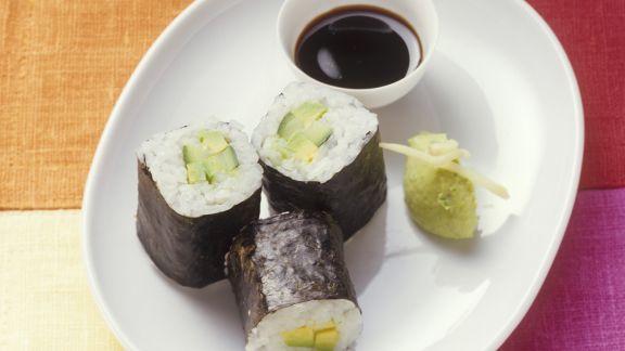 Rezept: Sushi (Maki) mit Ingwer-Avocado-Soße
