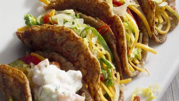 Rezept: Tacos gefüllt mit Gemüse und Joghurtsoße