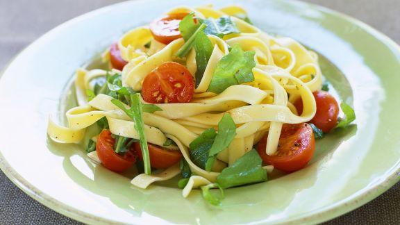 Rezept: Tagliatelle mit Tomaten
