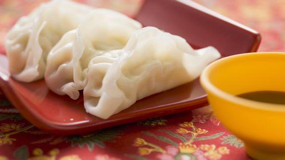 Rezept: Teigtaschen aus Asien (Wan Tan) mit Sojasoße