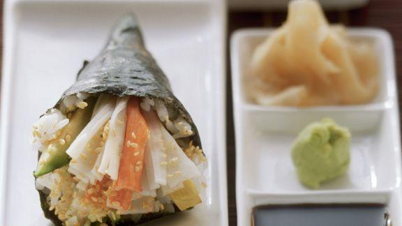 Rezept: Temaki mit Krabbenfleisch und Avocado